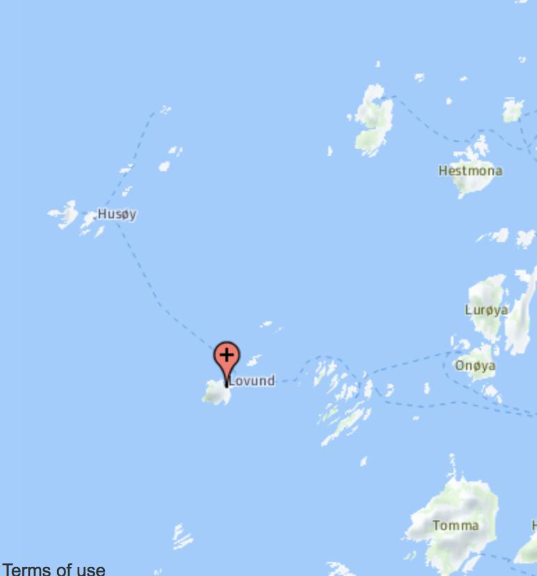 Rundt tre mil sørsørøst for Selvær er det et web-kamera du kan sjekke her.