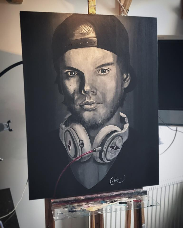 Famous DJ Avicii painted by Emil Photo: https://www.facebook.com/emil.gronholm.1