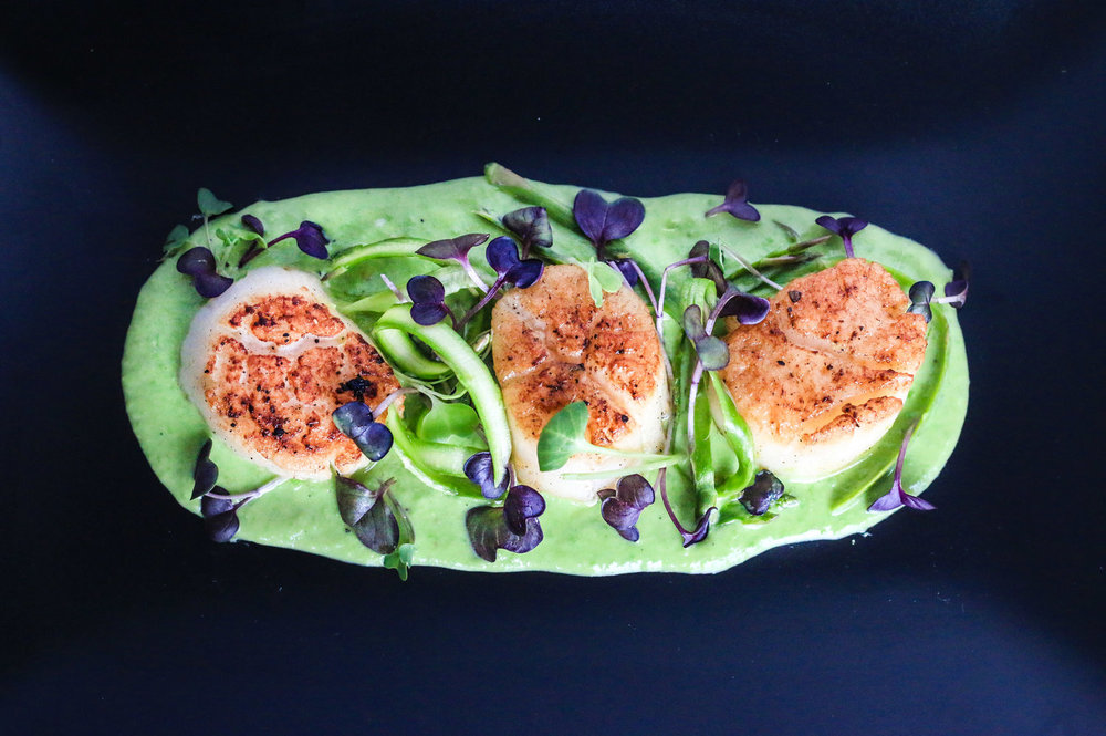 Seared+Scallops+with+Pea+Puree-1.jpg