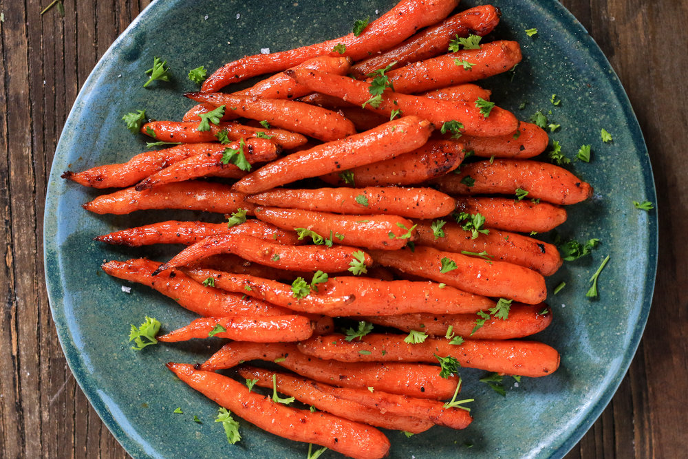 Roasted Carrots with Harissa Pomegranate Glaze