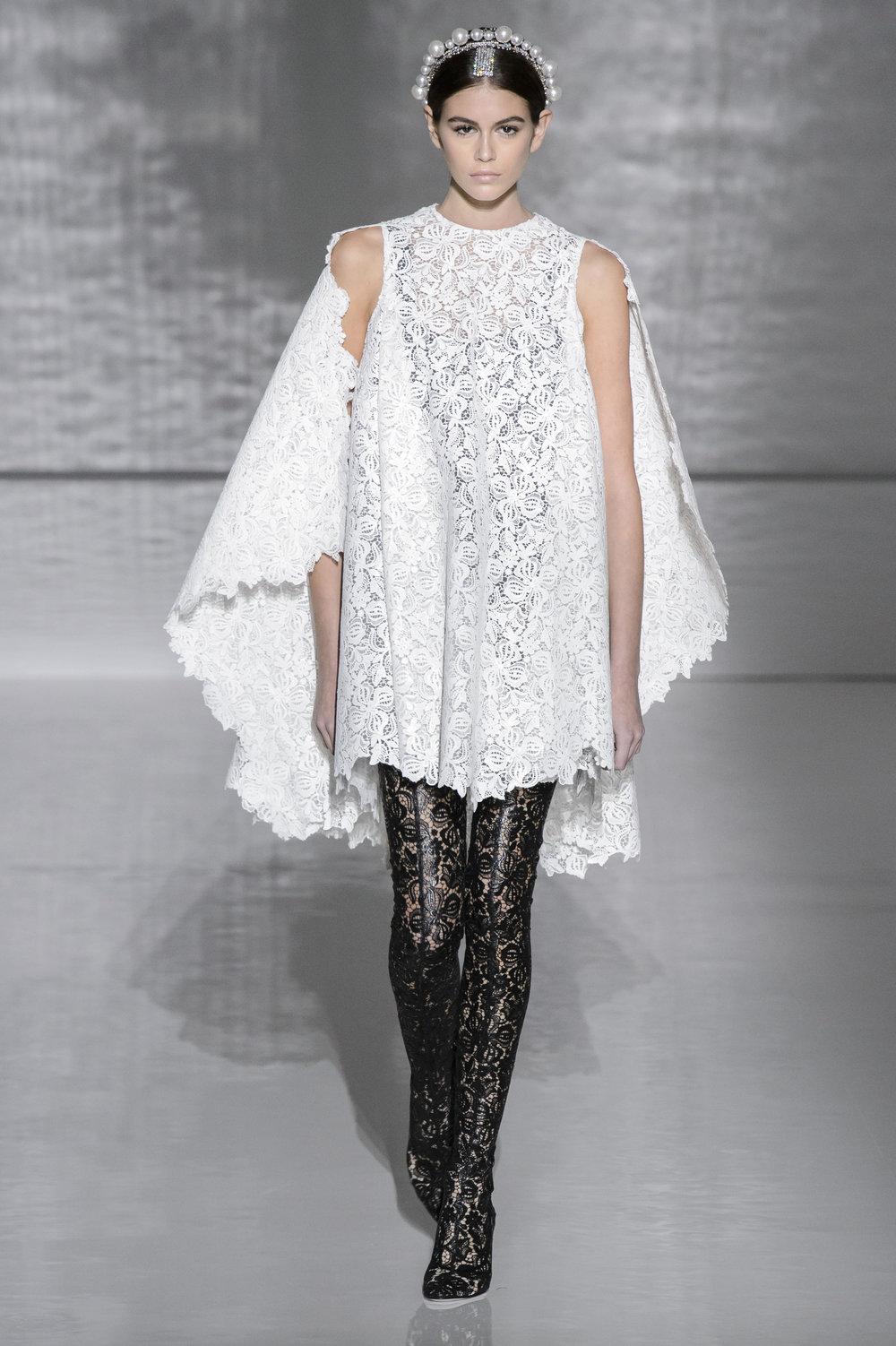 Givenchy HC RS19 0076.jpg