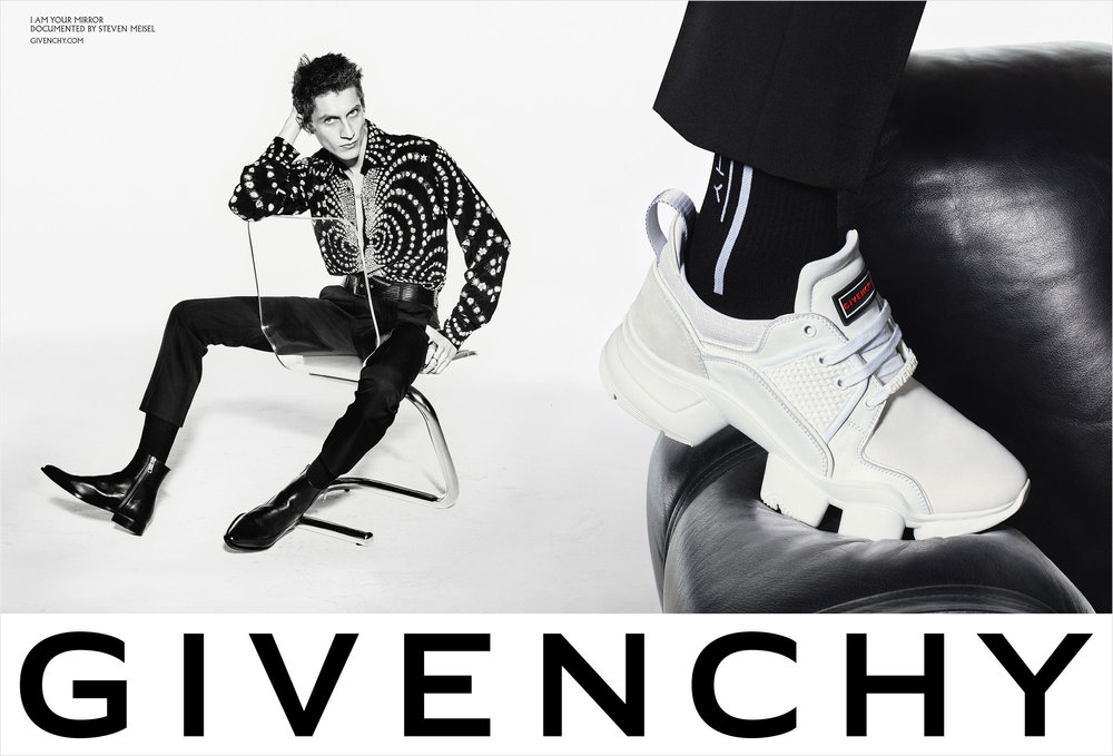 givenchy_spring_2019_campaign2.jpg