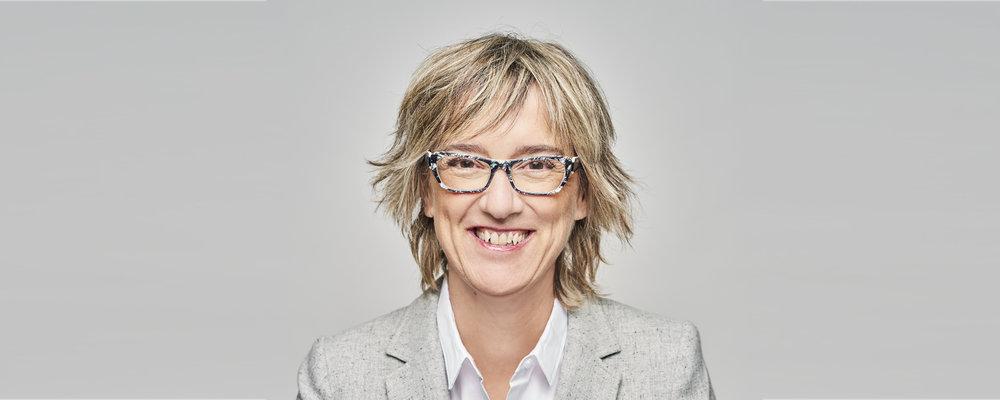 """Carole Beaulieu    Carole Beaulieu a été journaliste au Devoir de 1984 à 1988, avant de joindre l'équipe du magazine L'actualité et de remporter le prix Jules-Fournier pour la qualité de la langue française. Comme reporter, elle a beaucoup voyagé et signé de nombreux reportages, portraits et entrevues. En 1998, elle est nommée rédactrice en chef de L'actualité, puis éditrice en 2010, fonctions qui l'amènent à superviser le travail de nombreux journalistes déployés à l'étranger. Elle est aujourd'hui étudiante à la maîtrise en Prévention et règlement des différends à l'Université de Sherbrooke.                       Normal    0                false    false    false       FR-CA    JA    X-NONE                                                                                                                                                                                                                                                                                                                                                                                                                                                                                                                        /* Style Definitions */  table.MsoNormalTable {mso-style-name:""""Table Normal""""; mso-tstyle-rowband-size:0; mso-tstyle-colband-size:0; mso-style-noshow:yes; mso-style-priority:99; mso-style-parent:""""""""; mso-padding-alt:0cm 5.4pt 0cm 5.4pt; mso-para-margin-top:0cm; mso-para-margin-right:0cm; mso-para-margin-bottom:8.0pt; mso-para-margin-left:0cm; line-height:107%; mso-pagination:widow-orphan; font-size:11.0pt; font-family:""""Calibri"""",""""sans-serif""""; mso-ascii-font-family:Calibri; mso-ascii-theme-font:minor-latin; mso-hansi-font-family:Calibri; mso-hansi-theme-font:minor-latin; mso-bidi-font-family:""""Times New Roman""""; mso-bidi-theme-font:minor-bidi; mso-ansi-language:FR-CA; mso-fareast-language:EN-US;}"""