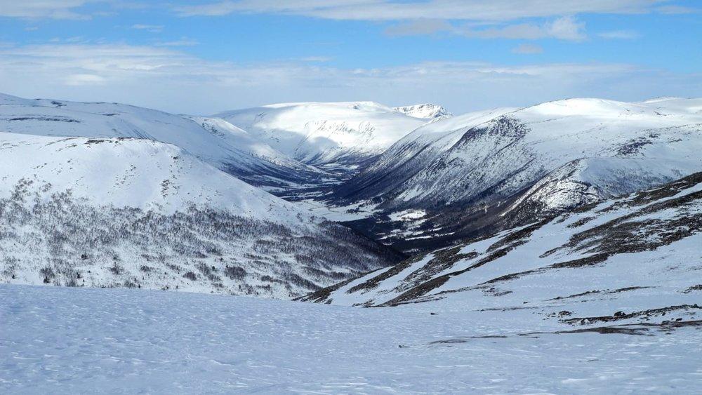 Fin utsikt mot Storlidalen fra toppen. Foto: Oddveig Torve