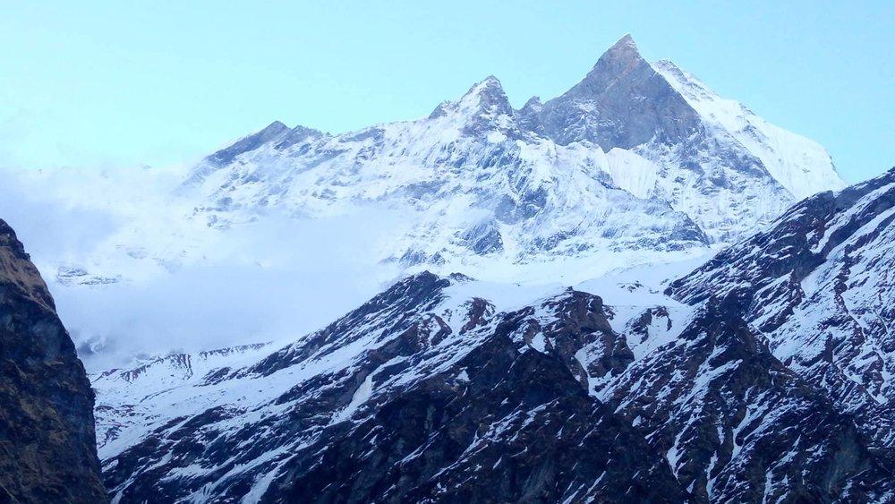 Datos del Viaje - Temporada:De marzo a mayo y de octubre a diciembreDuración: 17 díasDificultad: MediaAlojamiento :Hotel en Katmandú. Lodges a lo largo del trekking