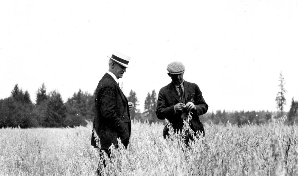 two+men+talking+in+field+2.jpg
