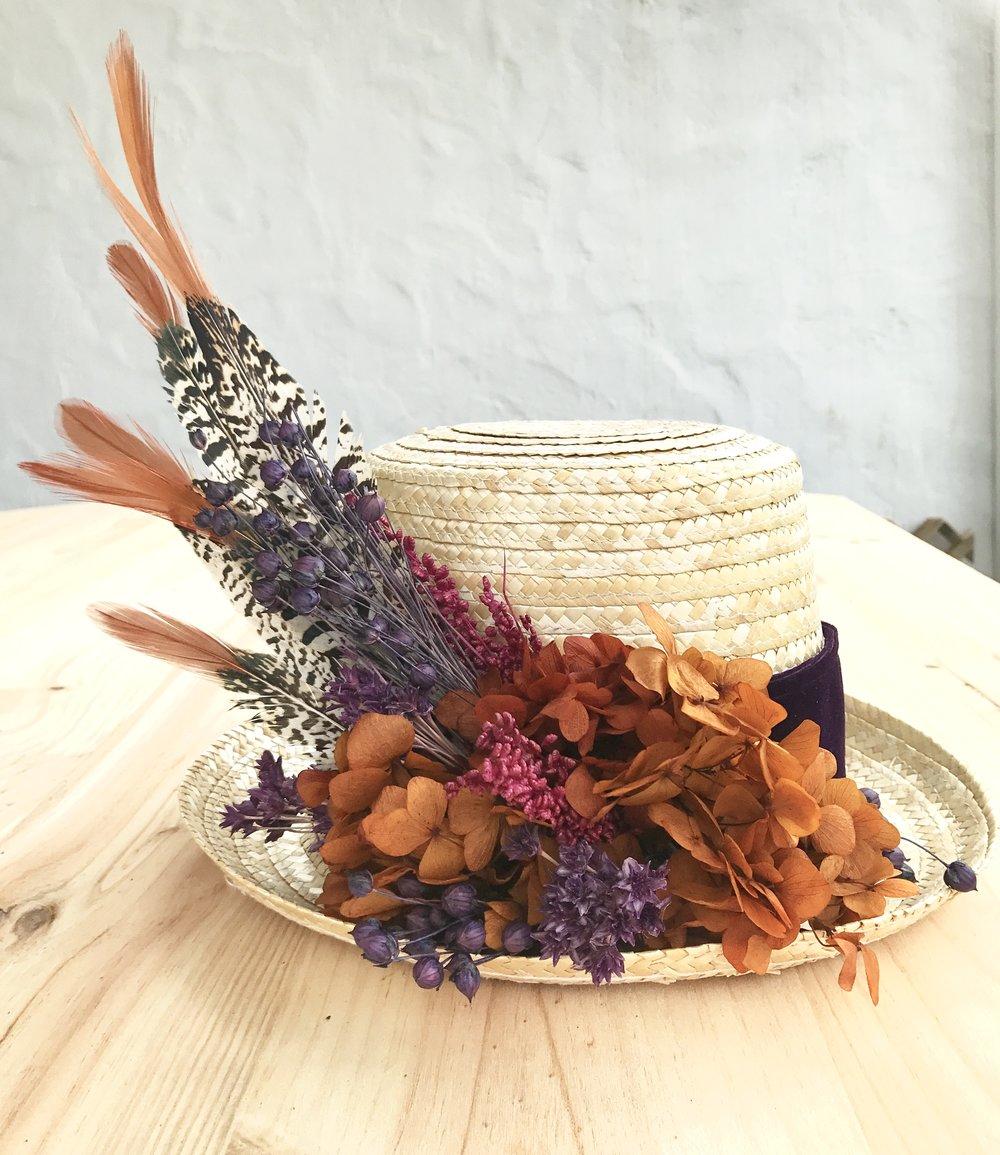 Chistera con flores secas y preservadas