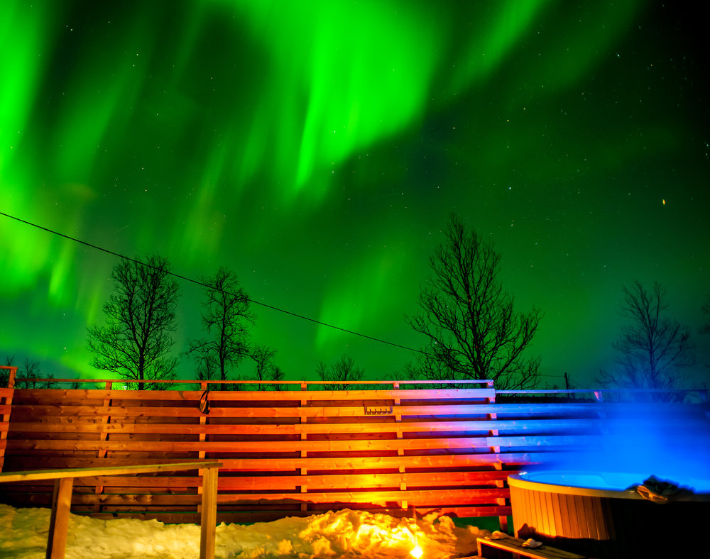 watching for the auroras from our Outdoor bath - We're located in a good place for watching the Northern lights due to being away from the light pollution in the city.Our outdoor bath is a popular place to enjoy during looking for the Auroras! You have great display when the Auroras start dancing.
