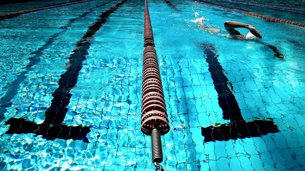 athlete-exercise-fitness-261185.jpg