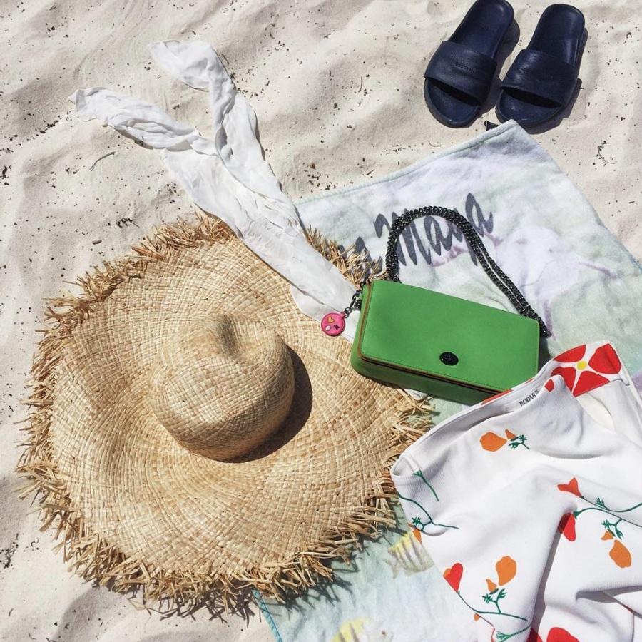 beach-capsule-wardrobe-262285-1530804219891-main.900x0c.jpg