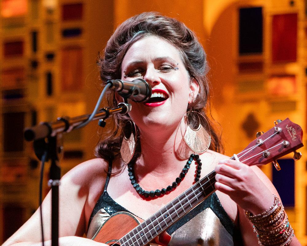 Andaluz Singer.jpg
