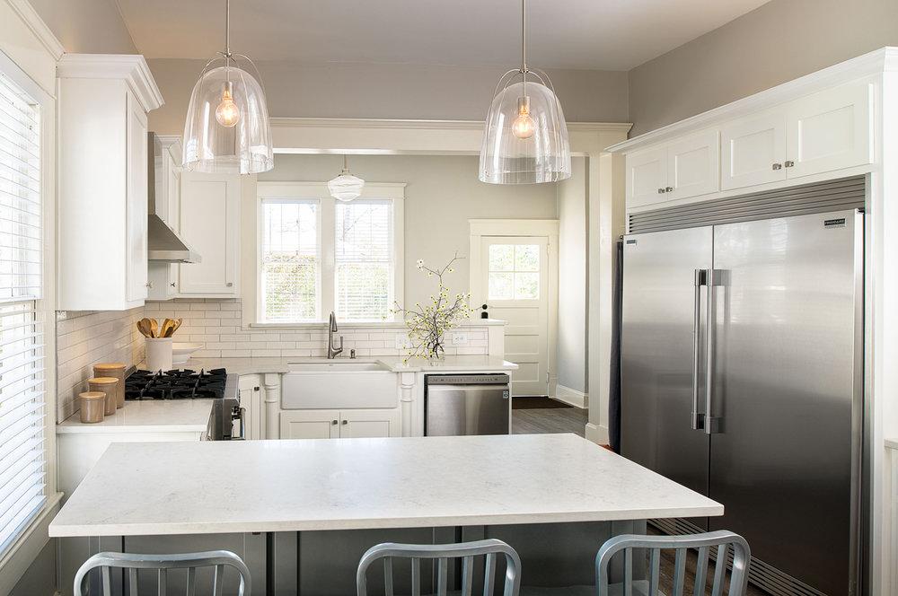main_kitchen.jpg