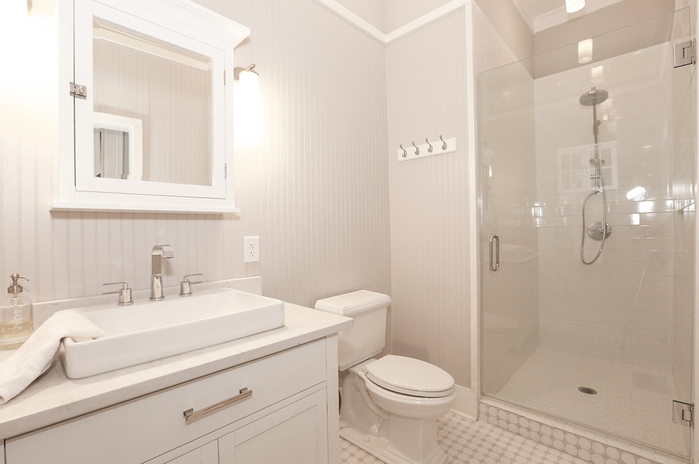main_master_bathroom.jpg