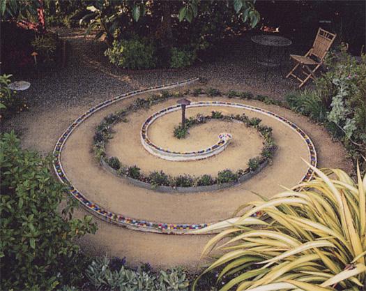 Spiral Maze Fountain , 13' wide