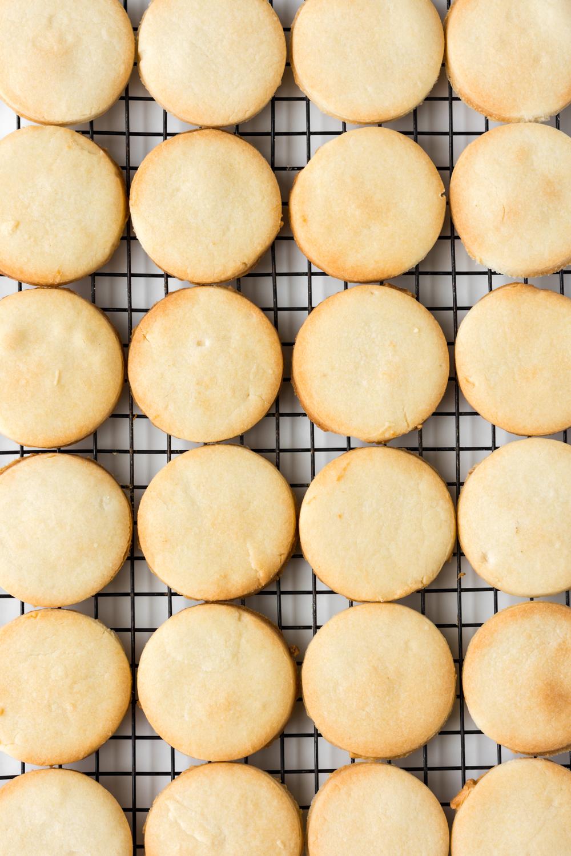 baked butter cookies.jpg
