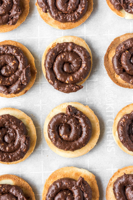butter cookies filled with chocolate hazelnut ganache.jpg