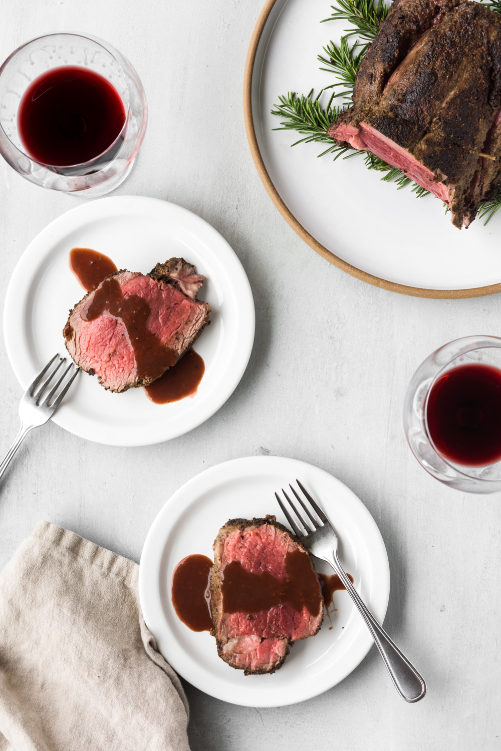 porcini crusted beef tenderloin with red wine sauce
