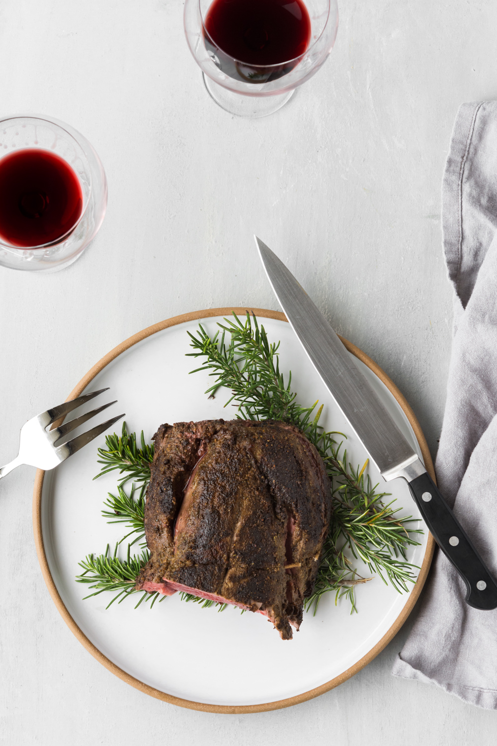 porcini crusted beef tenderloin with red wine reduction.jpg