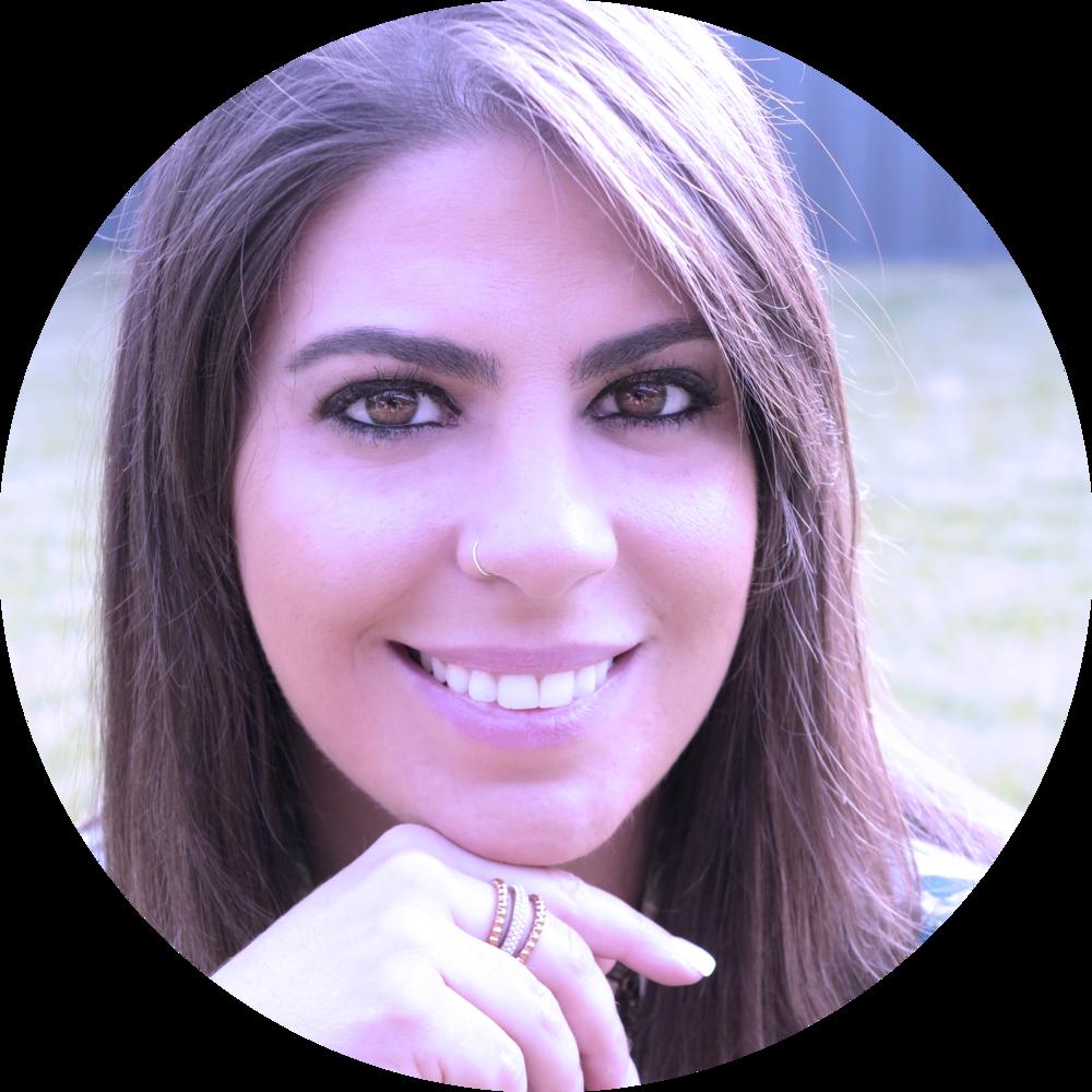 laura cacau - coach em alinhamento de vida e organização financeira e terapeuta holística nas horas vagas. nossa representante na australia. ela pode ser a sua também.