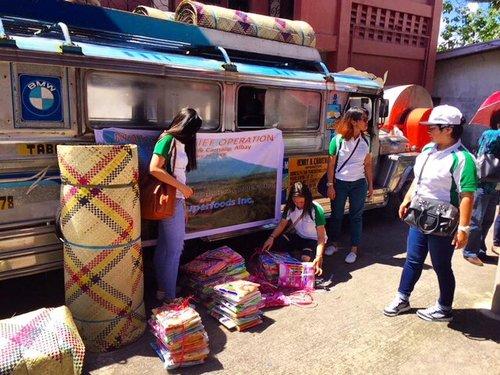 Pili+Nut+Farmers+at+Mount+Mayon+Pili+Nuts'+Kamalig+Outreach+Project.jpg
