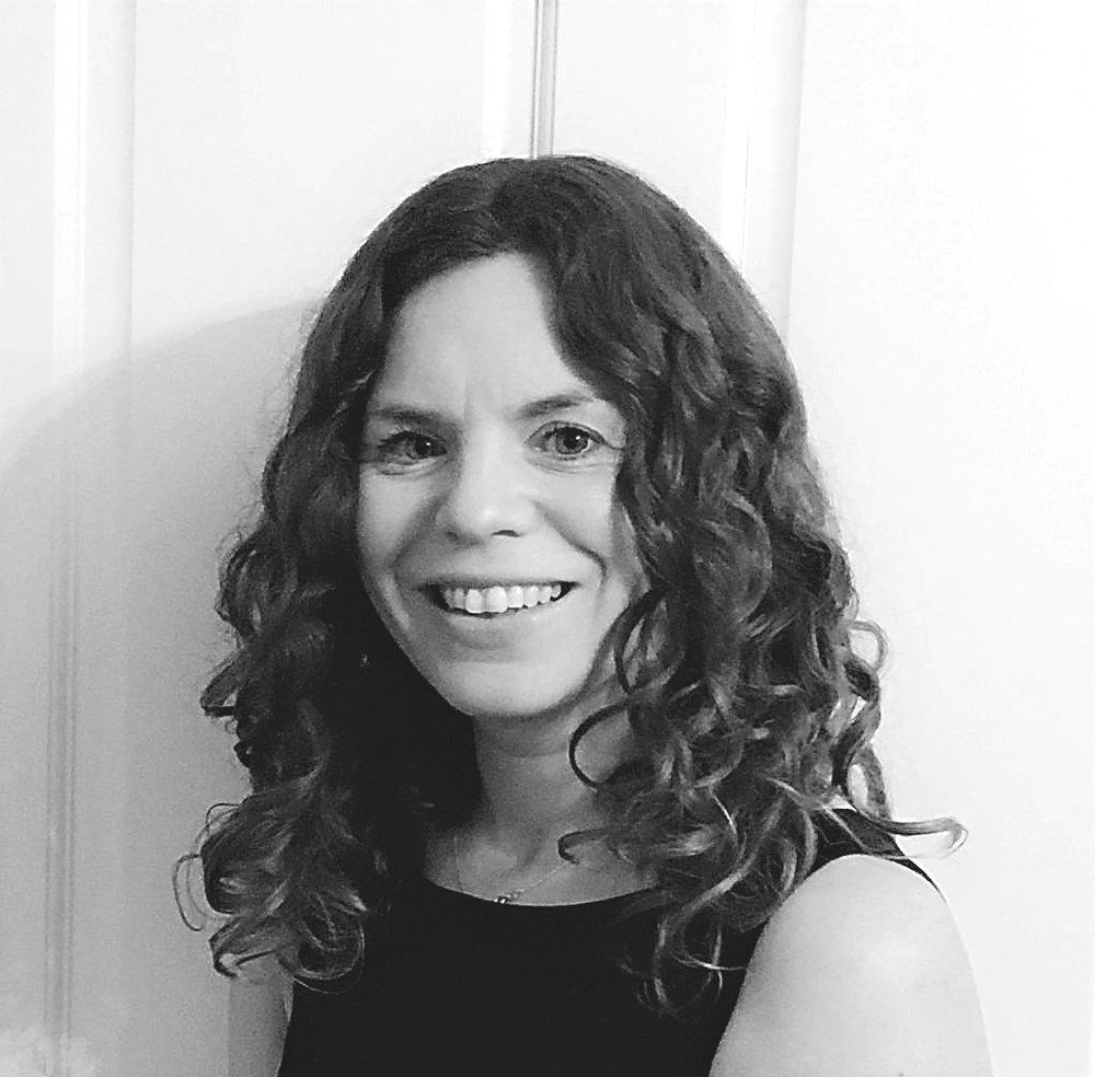 LOUISA STRAIN - HEALTH & FITNESS COACH