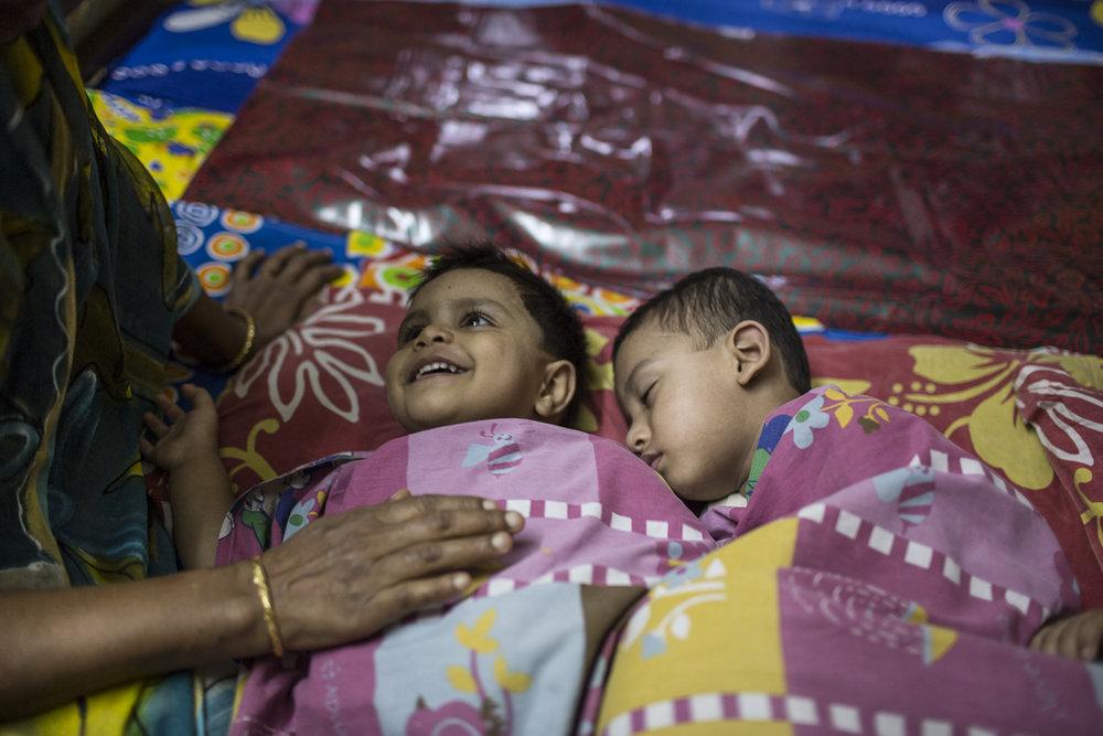 Conor_Ashleigh_©_2012_Bangladesh_webres-53.jpg