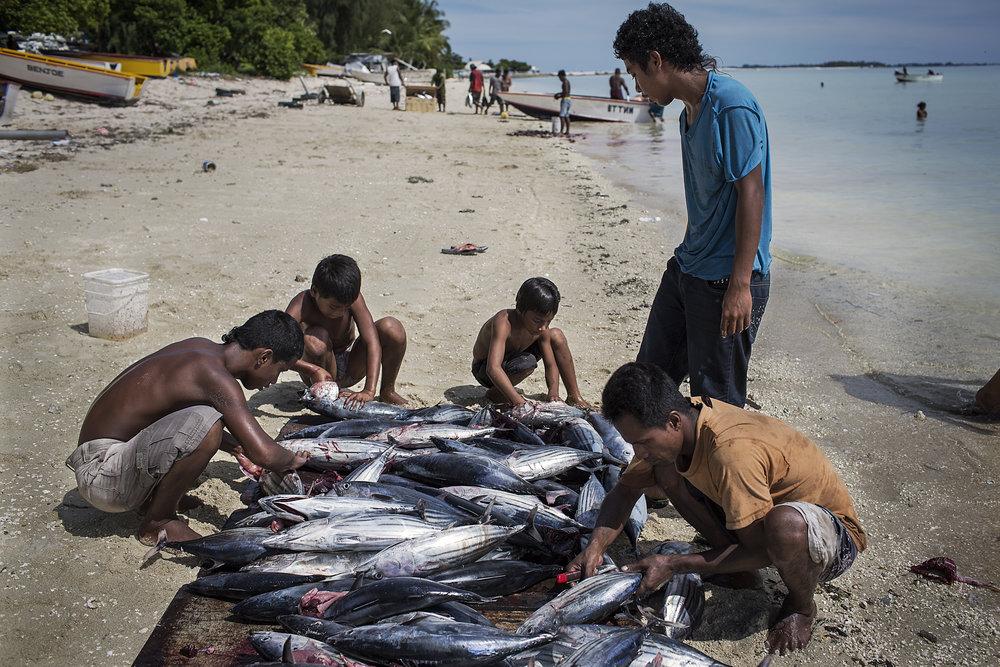 Kiribati end of the line4.JPG