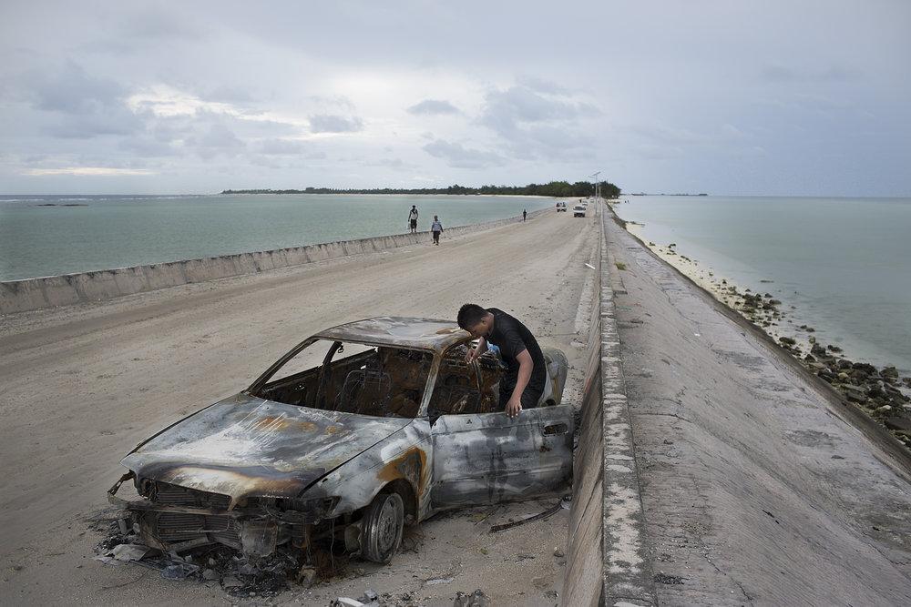 Kiribati end of the line18.JPG