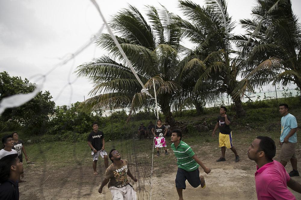 Kiribati end of the line22.JPG