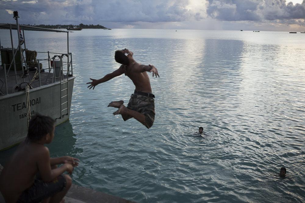 Kiribati end of the line28.JPG