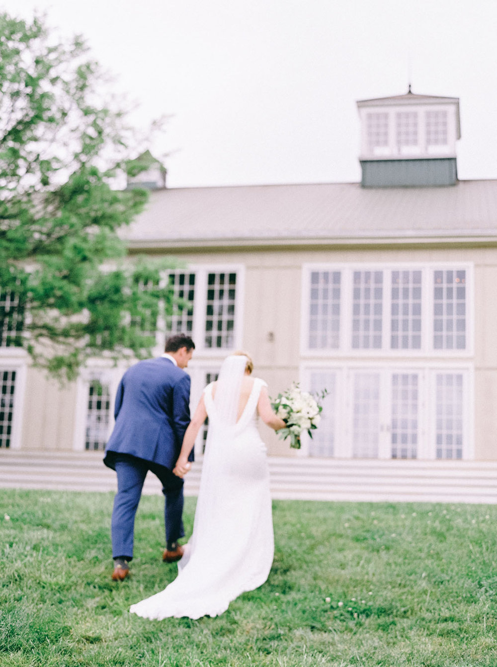 veritas_winery_vineyard_weding_florist_traditional.jpg