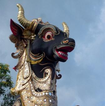 Bali___cremation_within_giant_bull....jpg