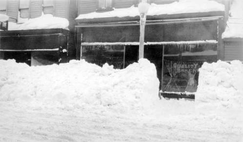 Calumet__Bakery_on_snowy_Pine_Street