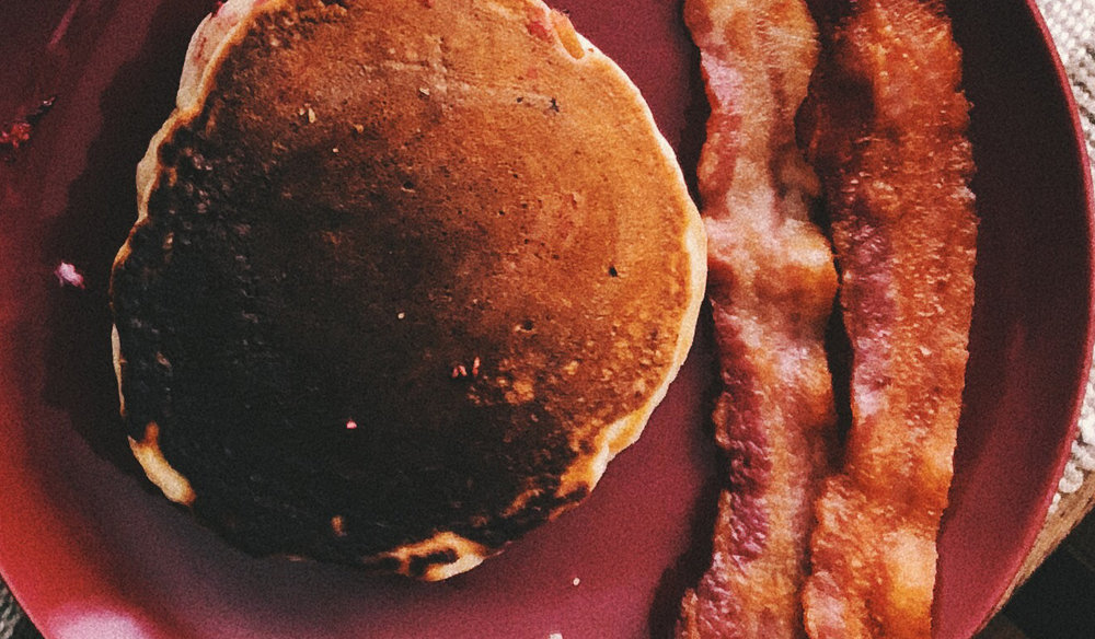 WEEKEND SPECIAL - PANCAKE WITH BACON & MAPLE SYRUP £3.95