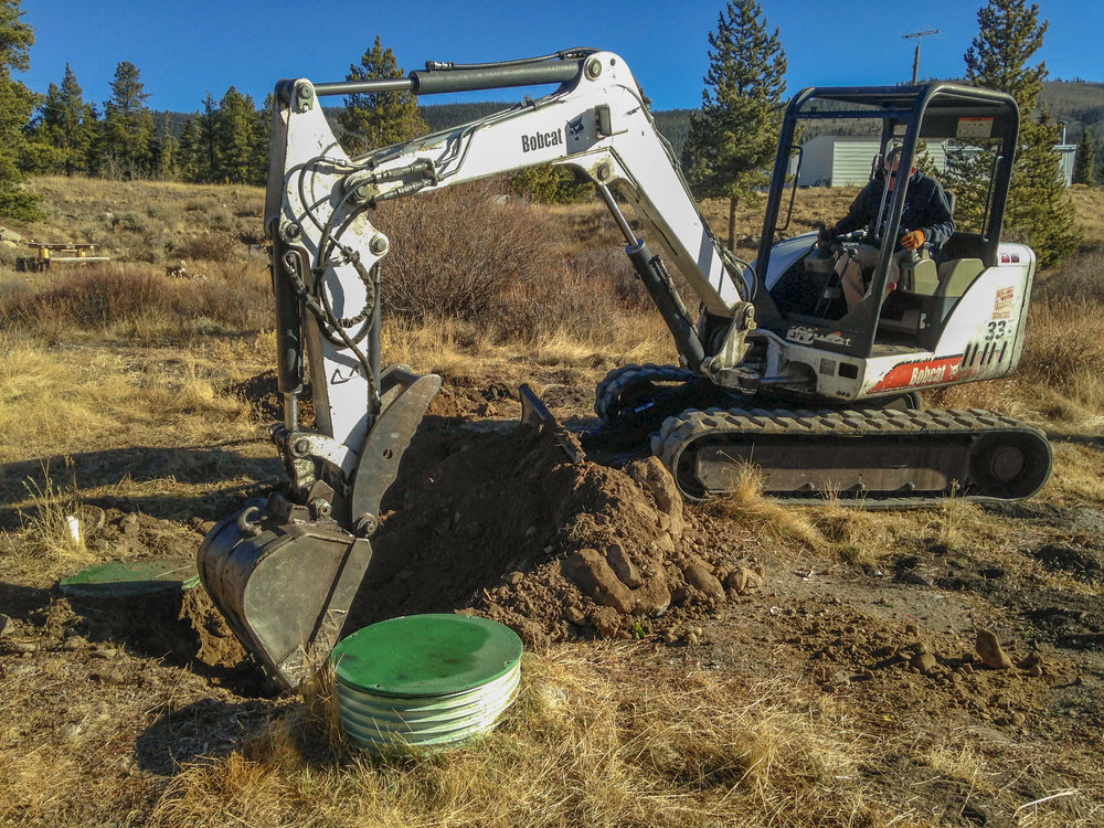 backhoe-digging-septic.jpg