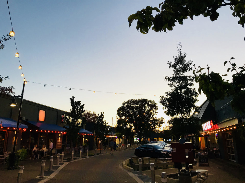 Entertainment/Dining - Park Lane - Downtown Kirkland
