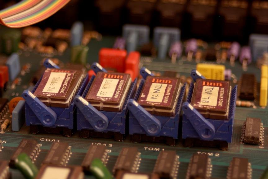 08-linn-zif-sockets-img_4623.jpg