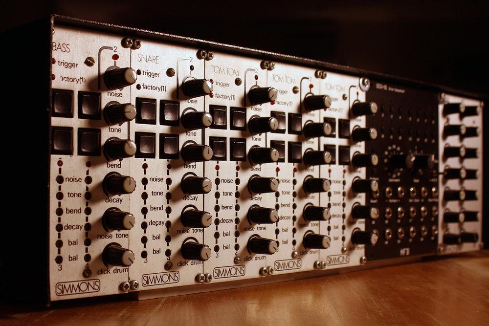 01-sdsv-mfb-01-glam-1.jpg