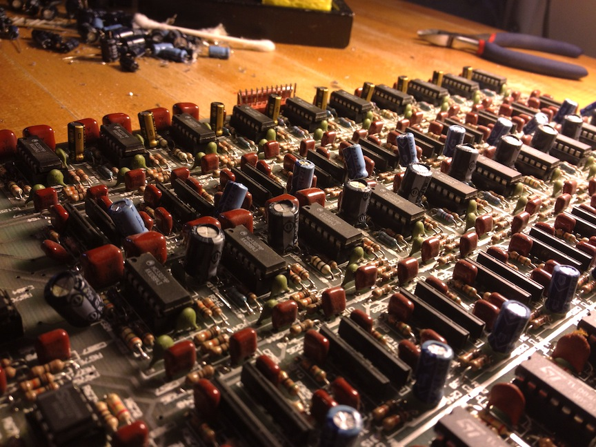 27-tailor-hits-dynamic-eq-processing-board-15-lots-of-vcas.jpg