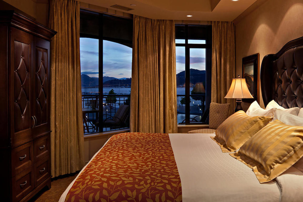 downtown-kelowna-hotel-with-two-bedrooms-the-royal.jpg