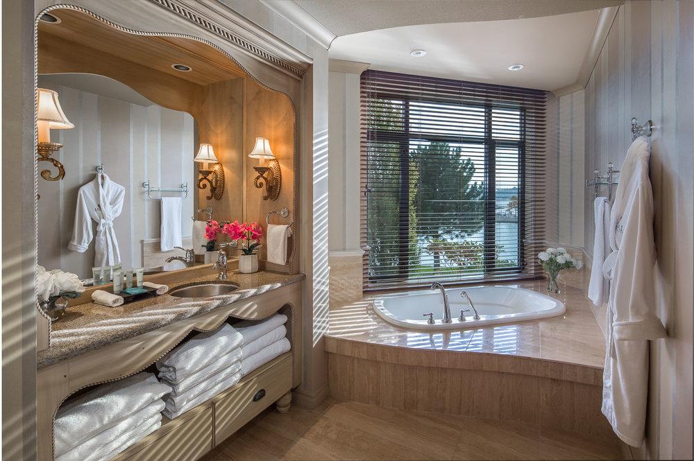 Royal-Kelowna-premium-bath.jpg