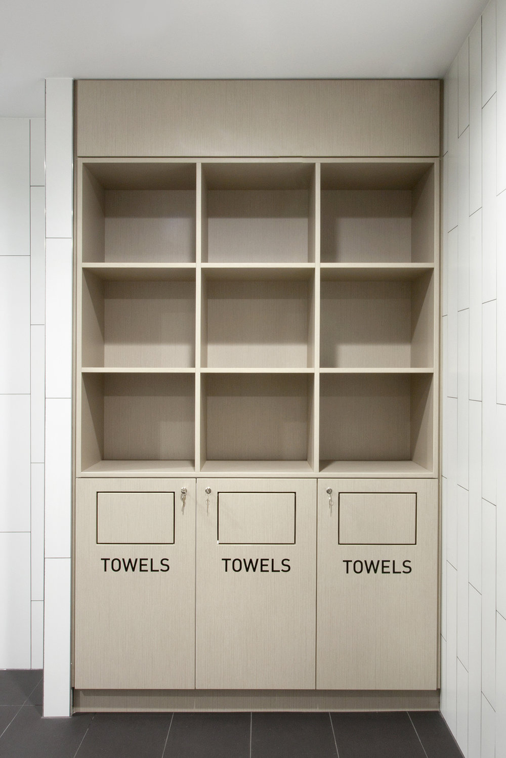 lockin-lockers-dean-st-custom-towel-joinery.jpg