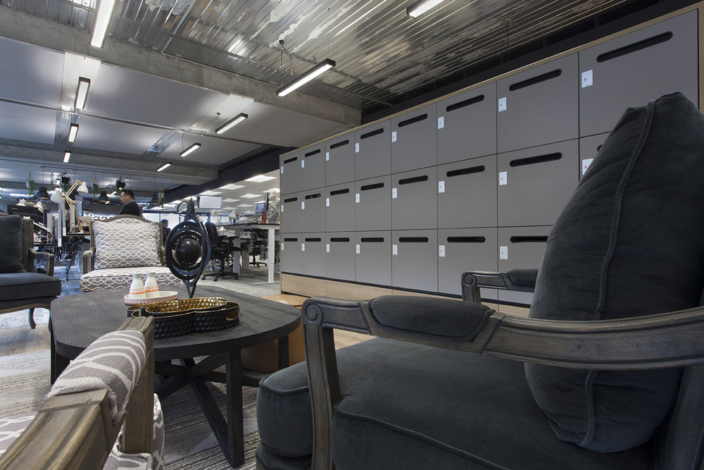 Laminate lockers with mail chute by Lockin