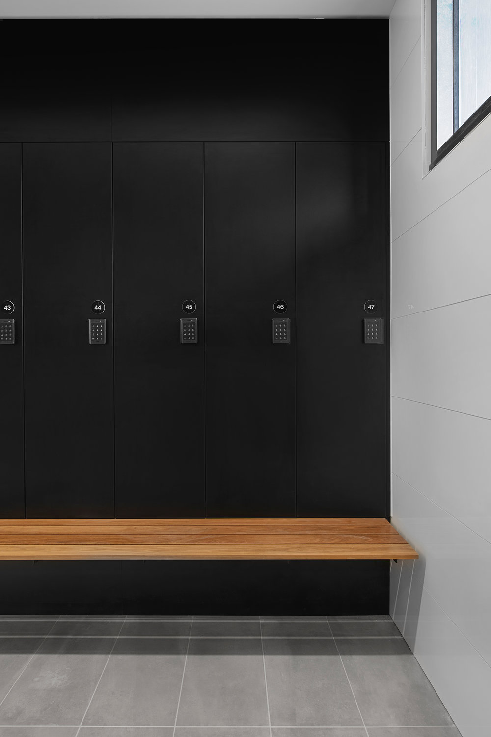 Close up of P1+ lockers with bench seat by Lockin