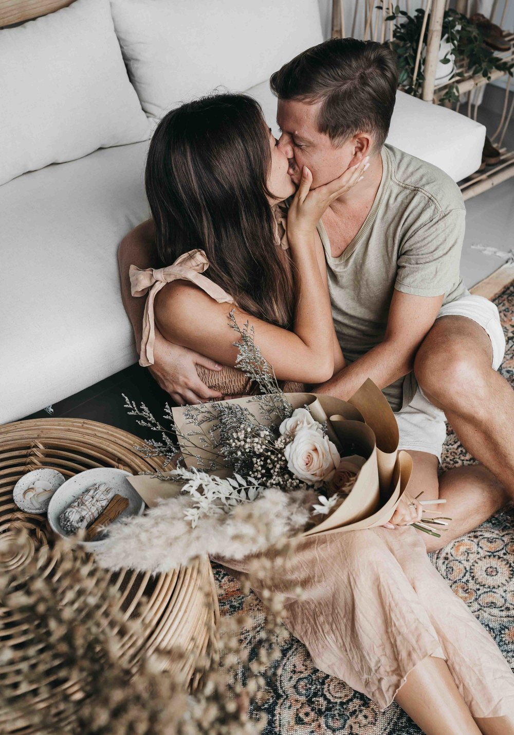 Keira-Mason-Hazel-and-folk-husband-and-wife-kissing.jpg