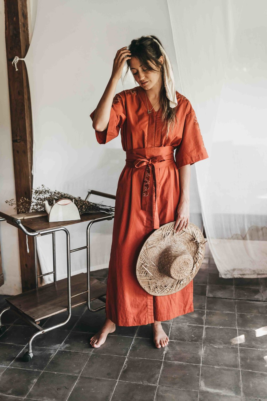 Keira-Mason-Matter-Prints-straw-hat-style.jpg