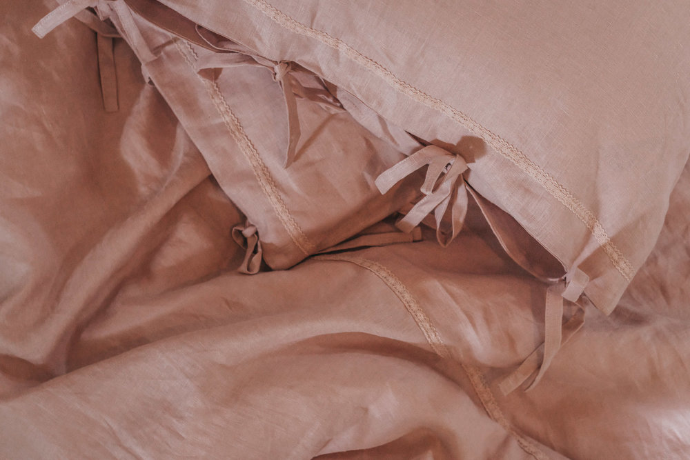 Keira-Mason-in-between-the-sheets-pink-details.jpg