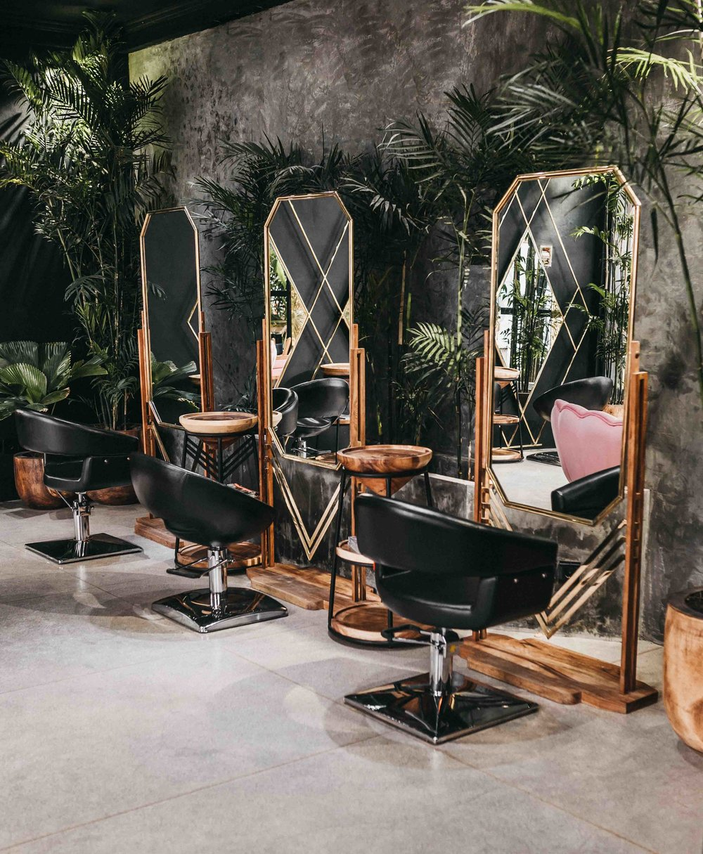 keira-mason-jet-black-ginger-salon-plants.jpg