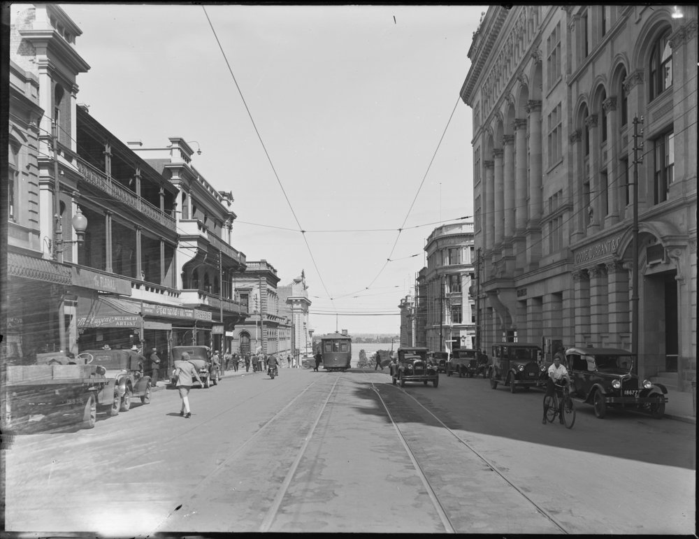 The southern end of William Street, Perth, 1927. The Jewel of Asia was the first whole building on the left. Courtesy of the State Library of Western Australia (014491PD)