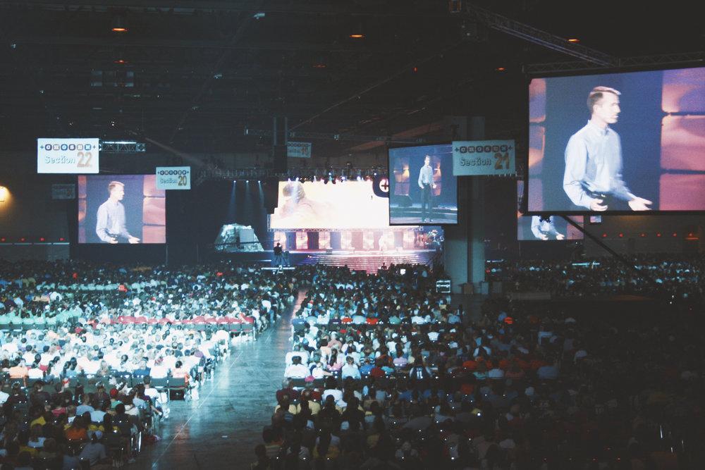 crowd15_youthgathering_.jpg